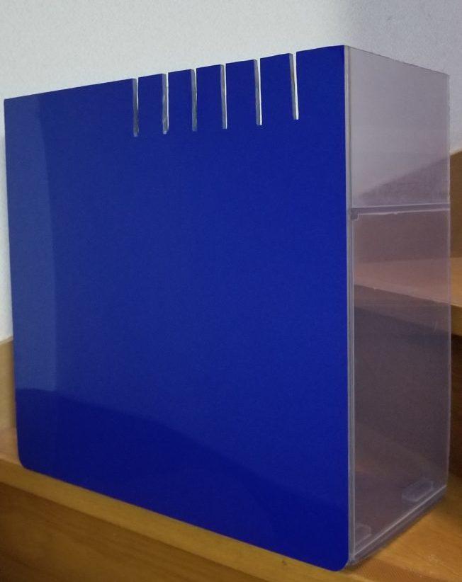 ブルーのバックスクリーン水槽